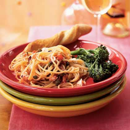Spaghetti with Peppery No-Cook Tomato Sauce