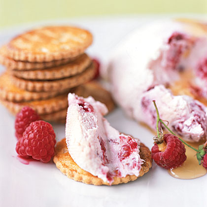Combine fresh raspberries and yogurt, and spread on gingersnaps for an easy snack or quick dessert.Raspberry Yogurt Cheese with Gingersnaps Recipe