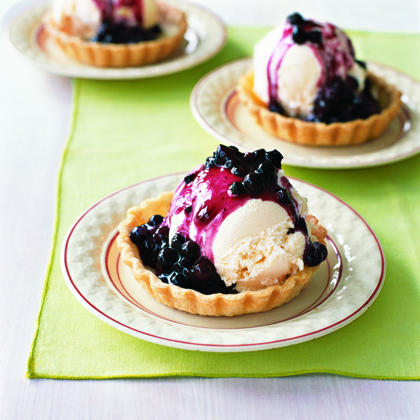Ice Cream Pie with Warm Blueberry Sauce