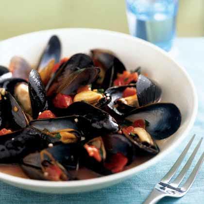 Mussels in Tomato-Wine Broth Recipe | MyRecipes.com