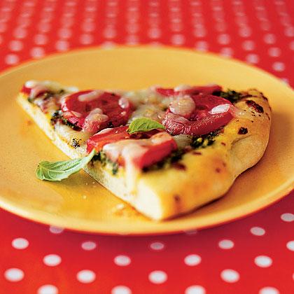 pesto-tomato-pizza