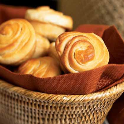 These superlative rolls derive their texture and beautiful shape from employing a simple folding technique twice and allowing them to rise just once.Flaky Dinner Rolls Recipe
