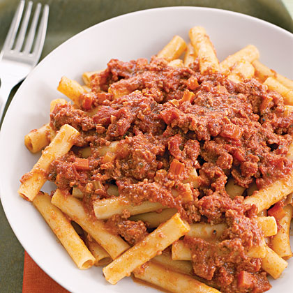 Bolognese sauce recipe myrecipes for Plat rapide entre amis