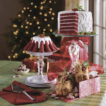 Fluted Chocolate-Red Velvet Cakes