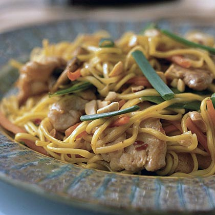 Chicken-Peanut Chow Mein Recipe