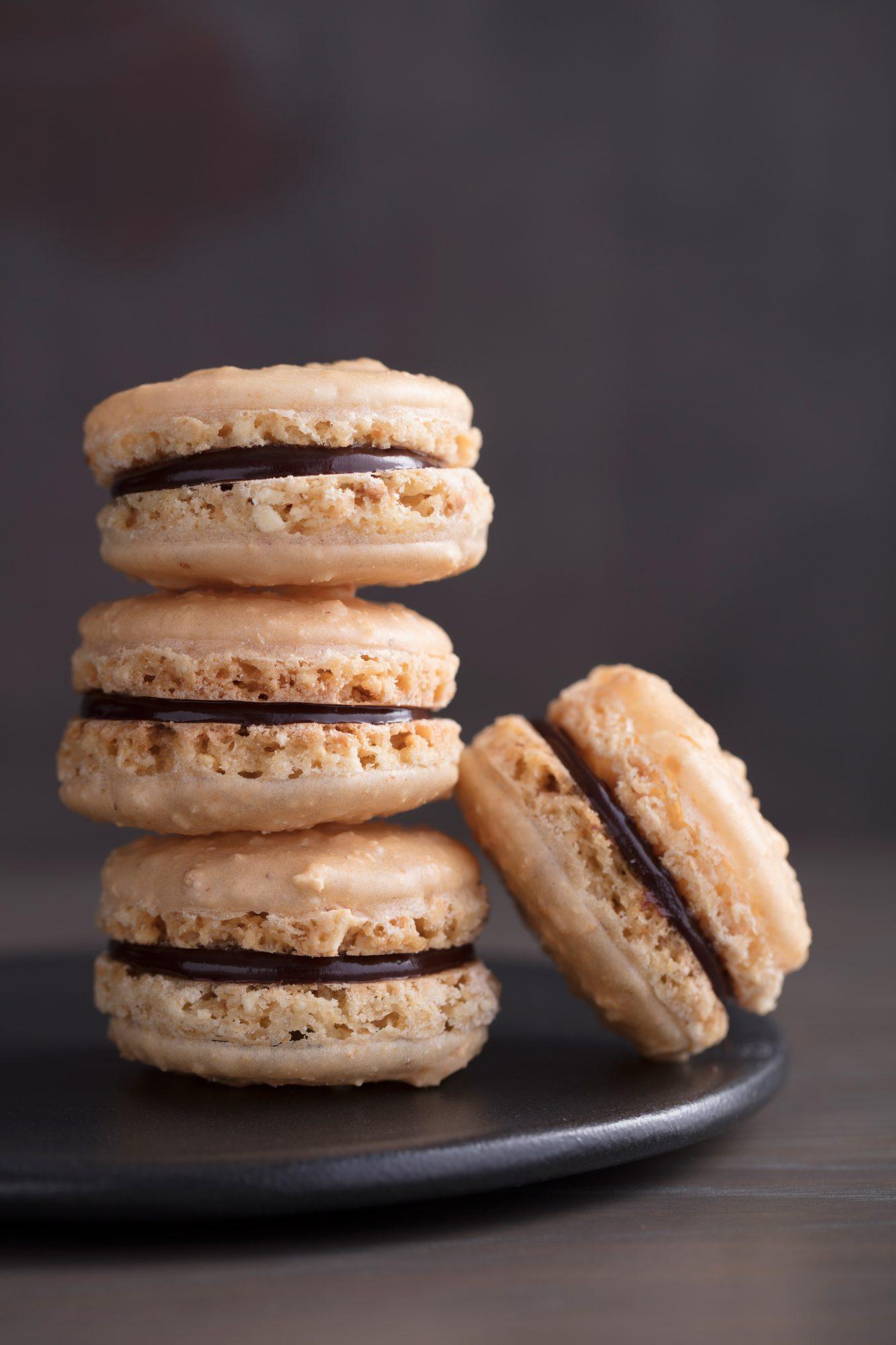 <p>Peanut-Chocolate Macaroons</p>