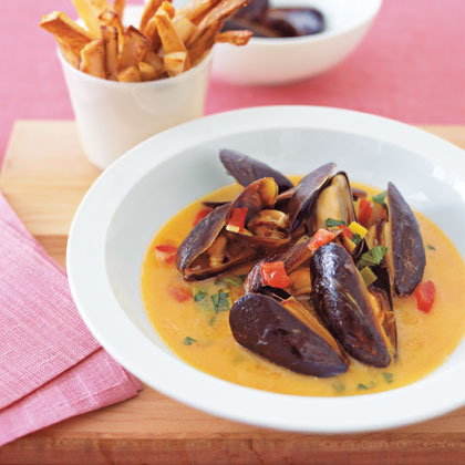 Mussels with Oven FriesRecipe