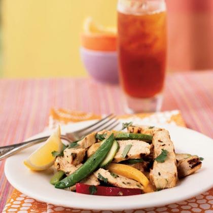 Grillowana sałatka z kurczakiem i cytryną