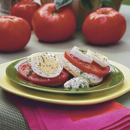 Tomato-Egg Sandwiches