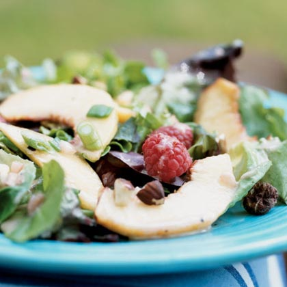 Peaches and Mixed Greens Salad Recipe