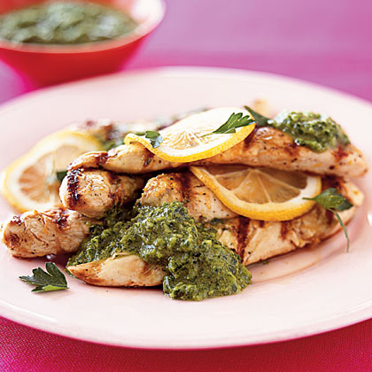grilled-chicken-parsley-sauce