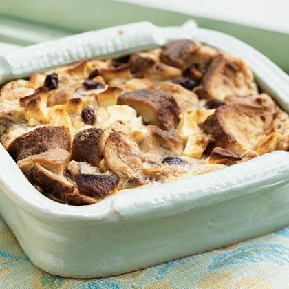 Cinnamon Apple Raisin Bread Pudding