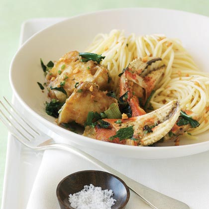 Vietnamese-style Spicy Crab with Garlic Noodles Recipe
