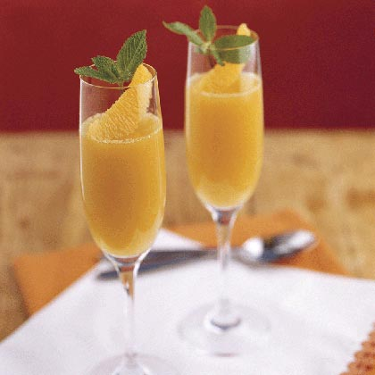 Be a little indulgent with this gelée mimosa -- a sweet concoction of orange juice, champagne, and orange blossom honey. Cheers to little luxuries!Mimosa Gelée Recipe
