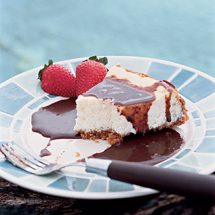 Creamy Cheesecake with Espresso Fudge Sauce
