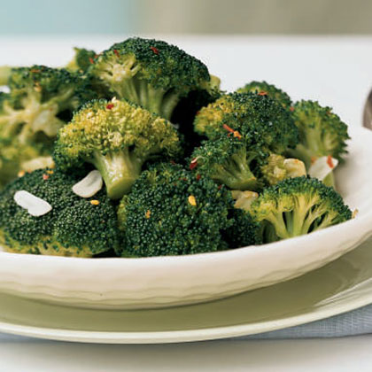 Broccoli with Red Pepper Flakes and Toasted GarlicRecipe