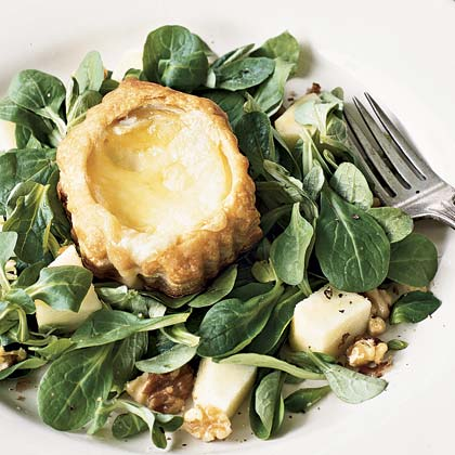 Warm Camembert Salad With Apples and Walnuts