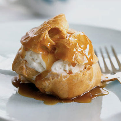 Cream Puffs with Ice Cream and Caramel