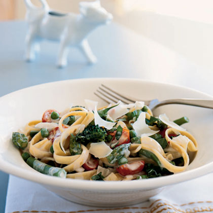 Fresh and flavorful, this pasta primavera chock full of vegetables makes a lovely entrée for spring. A combination of equal parts milk and cream, half-and-half creates a silky, full-bodied sauce.Pasta Primavera Recipe