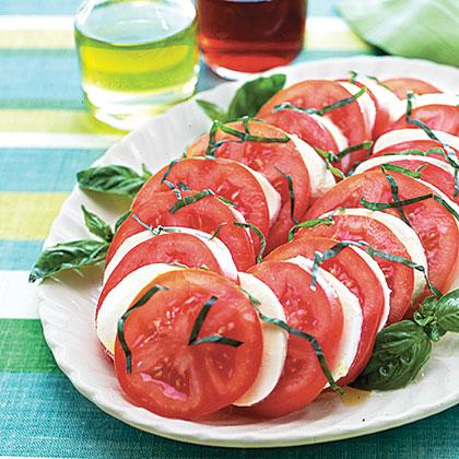 Mozzarella, Tomato and Basil Salad Recipe