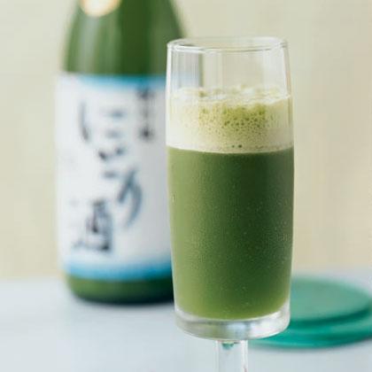 Minted Sake and Pineapple Cooler Recipe