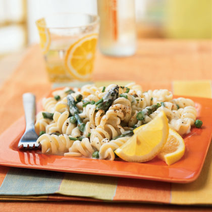 Pasta with Lemon Cream Sauce, Asparagus, and Peas Recipe