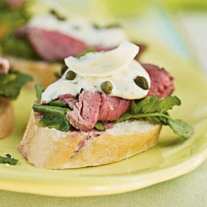 Seared Beef Tenderloin Mini Sandwiches with Mustard-Horseradish Sauce