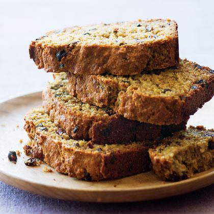 Oatmeal-Currant Breakfast Bread