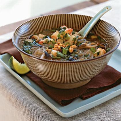 Tom Yum Goong (Spicy Thai Shrimp Soup)