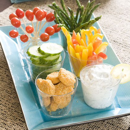 Easy Mediterranean Appetizer Platter With Yogurt Dip