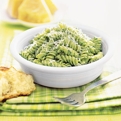 Pasta with Yogurt Pesto