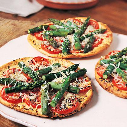 Asparagus-Parmesan Pita Rounds Recipe