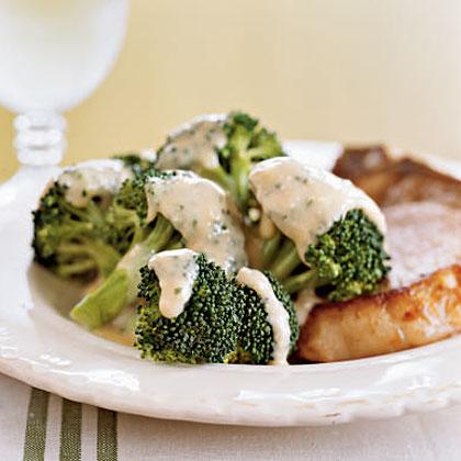 Broccoli with Cheddar Sauce