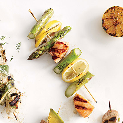 <p>Salmon, Asparagus, and Fresh Lemon Kebabs</p>