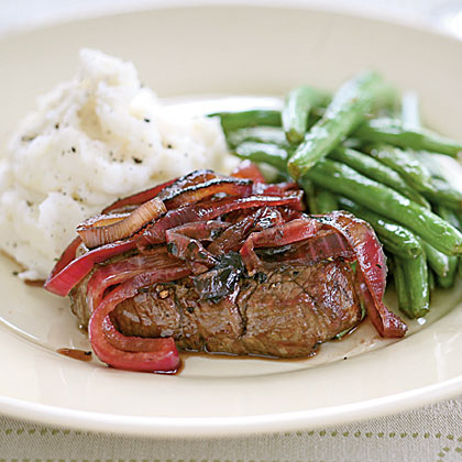 Tenderloin Steaks with Red Onion Marmalade Recipe