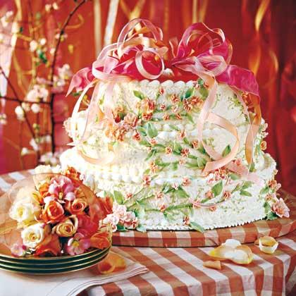 Peaches-and-Cream Wedding Cake