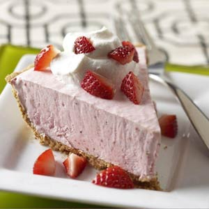 Lite Frozen Strawberry Cheesecake
