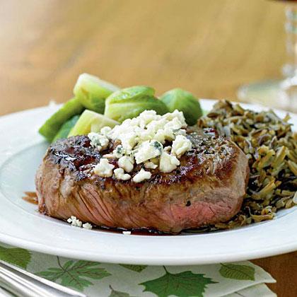 Beef Tenderloin Steaks Amp Port Reduction Amp Blue Cheese