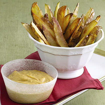 Oven Fries with Garlic Aioli