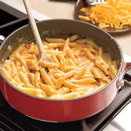 Easy Skillet Pimiento Mac 'n' CheeseRecipe