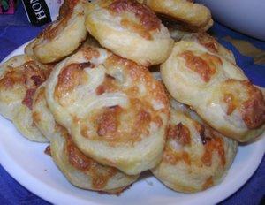 bacon_cheddar_pinwheels1.jpg