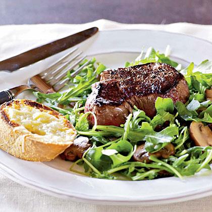 <p>Filet Mignon with Arugula Salad</p>