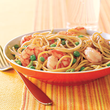 Stir-Fried Noodles with Shrimp and Peas