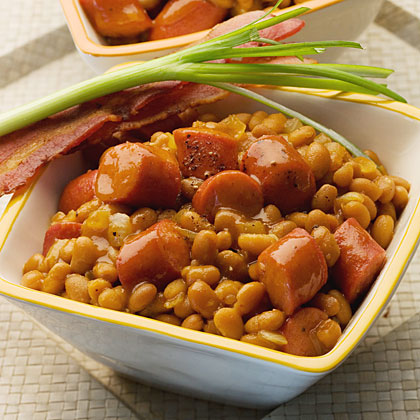 Quick Skillet Baked Beans and Franks RecipeMake third-down eating easy with this one-dish dinner featuring the quarterbacks of football feasts: hot dogs and baked beans. Dress up the dish with yellow mustard, sweet onion, and cider vinegar.