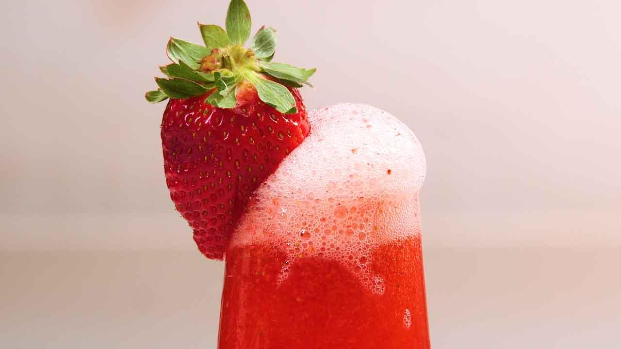<p>Strawberry Bellini</p>