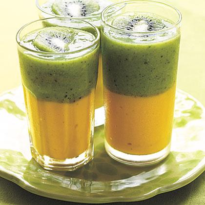 Green Tea-Kiwi and Mango Smoothie