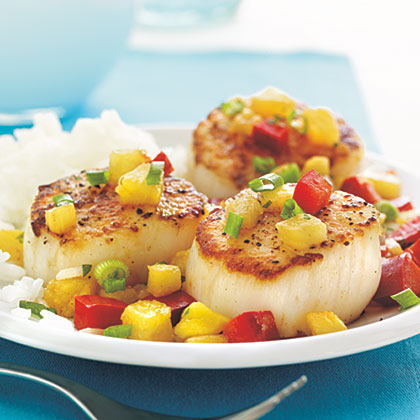 Seared Scallops with Warm Fruit Salsa