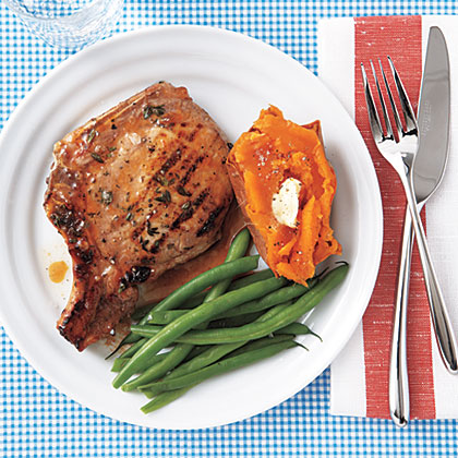 Apricot-Glazed Grilled Pork ChopsRecipe