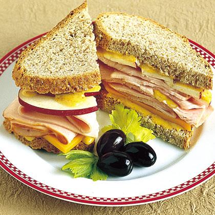 Hellmann's Mayonnaise Cheddar-Apple Ham & Cheese Sandwiches Recipe
