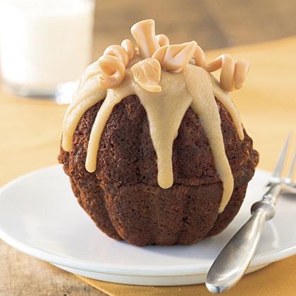 Mini Pumpkin-Molasses Cakes